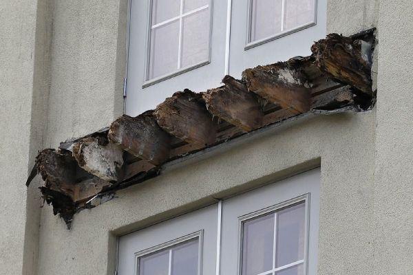 Balcony Failure